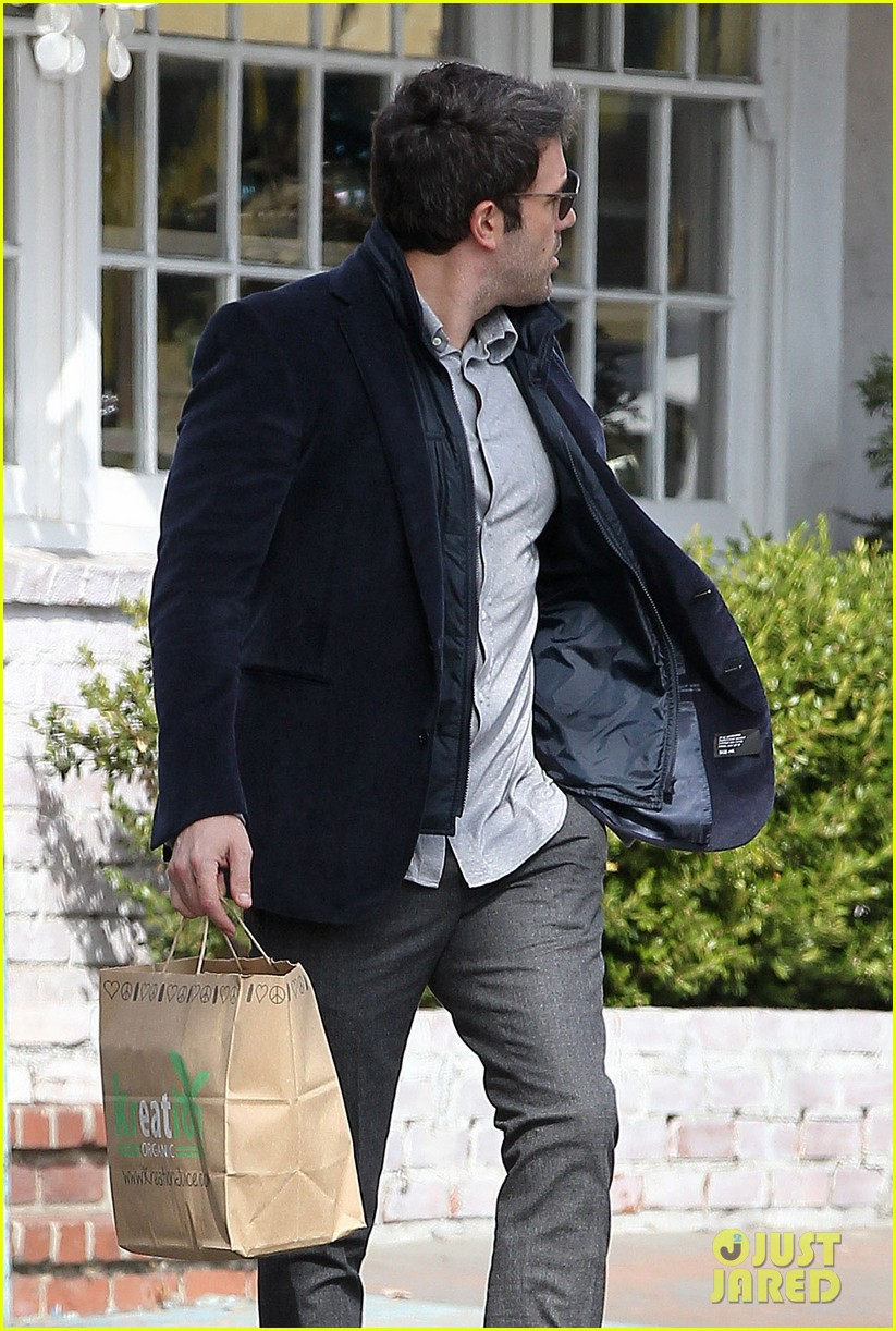 ben affleck jennifer garner busy sunday santa monica 15