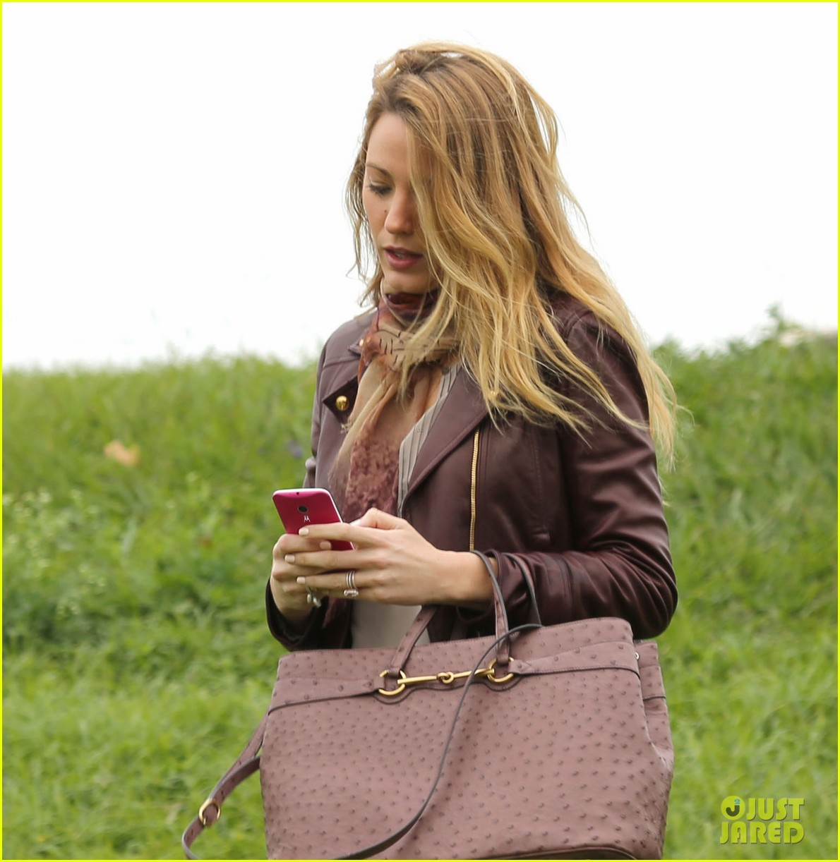 blake lively chocolate is good for my morale 05