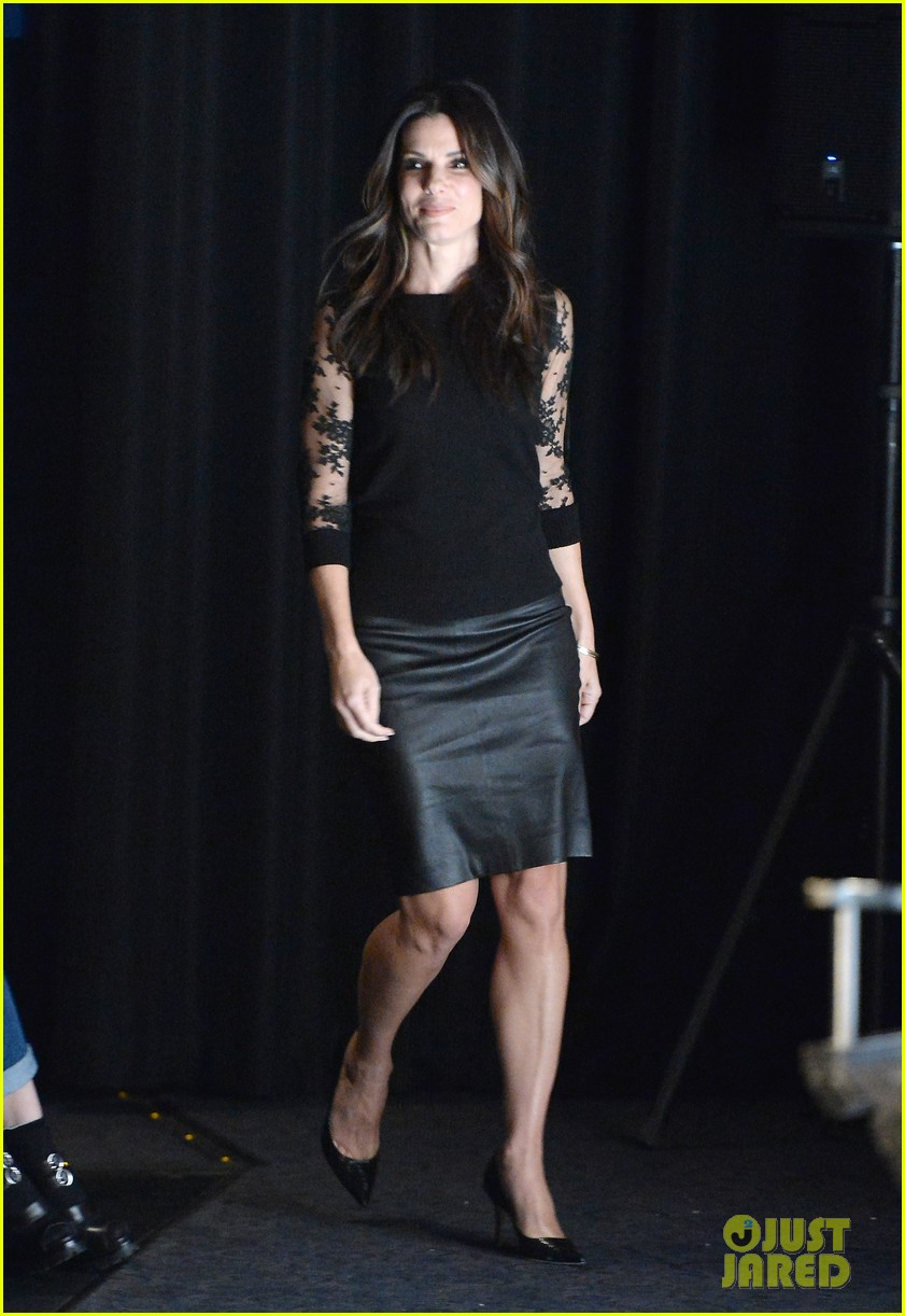 sandra bullock la envelope screening series of gravity 052988348