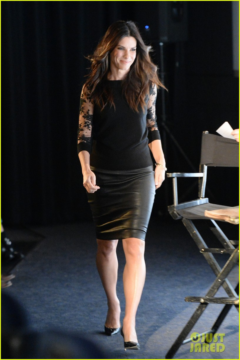 sandra bullock la envelope screening series of gravity 11
