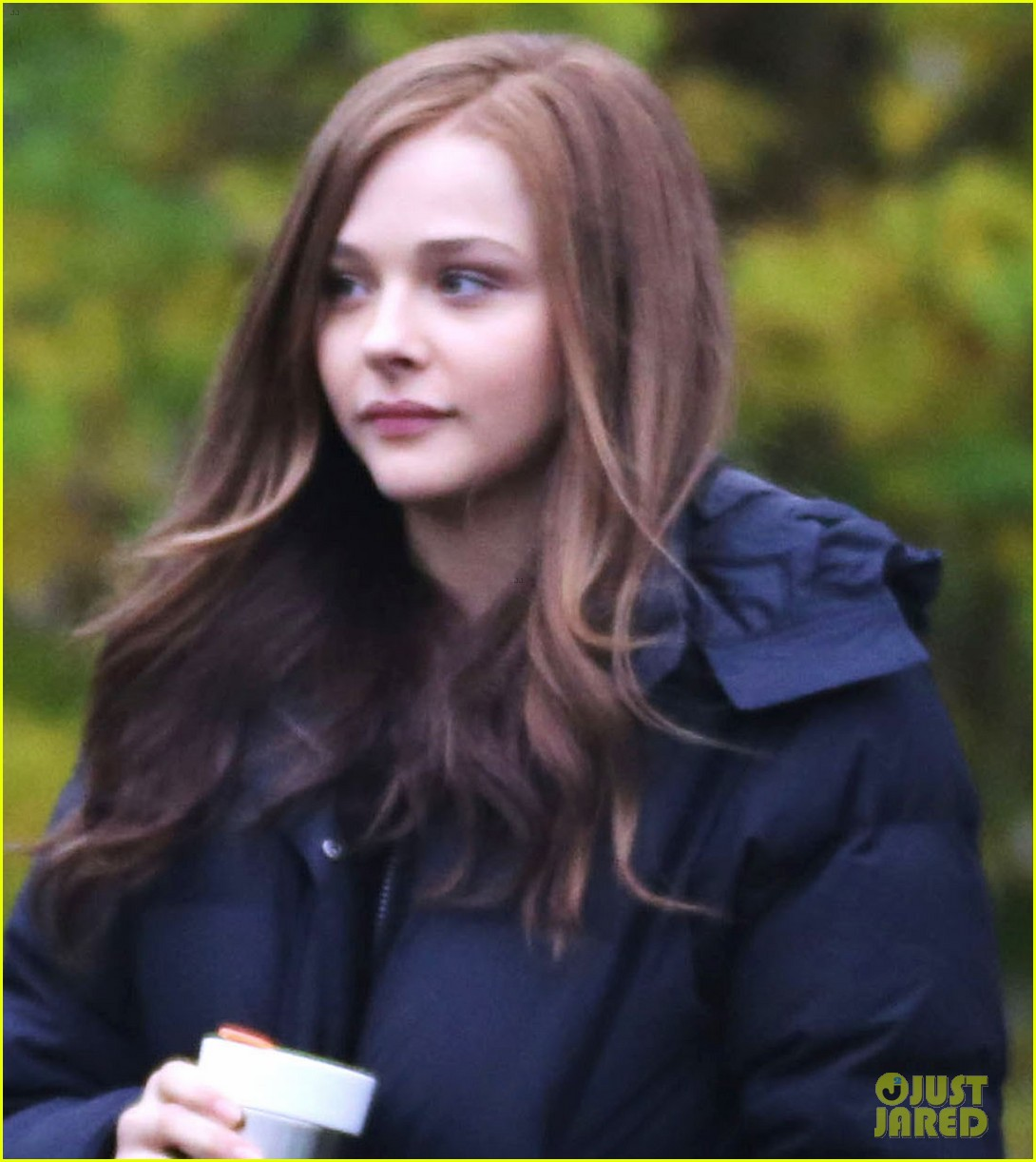chloe moretz early morning filming for if i stay 07
