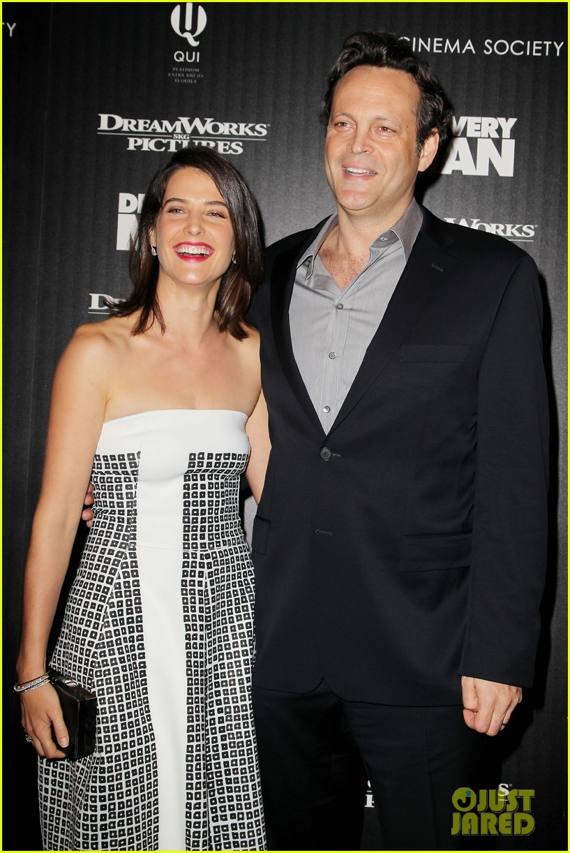 cobie smulders delivery man premiere with vince vaughn 03