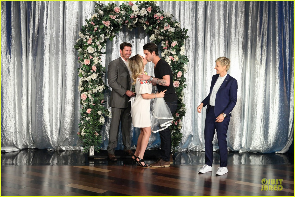 kaley cuoco fake wedding to ryan sweeting on ellen 012987365