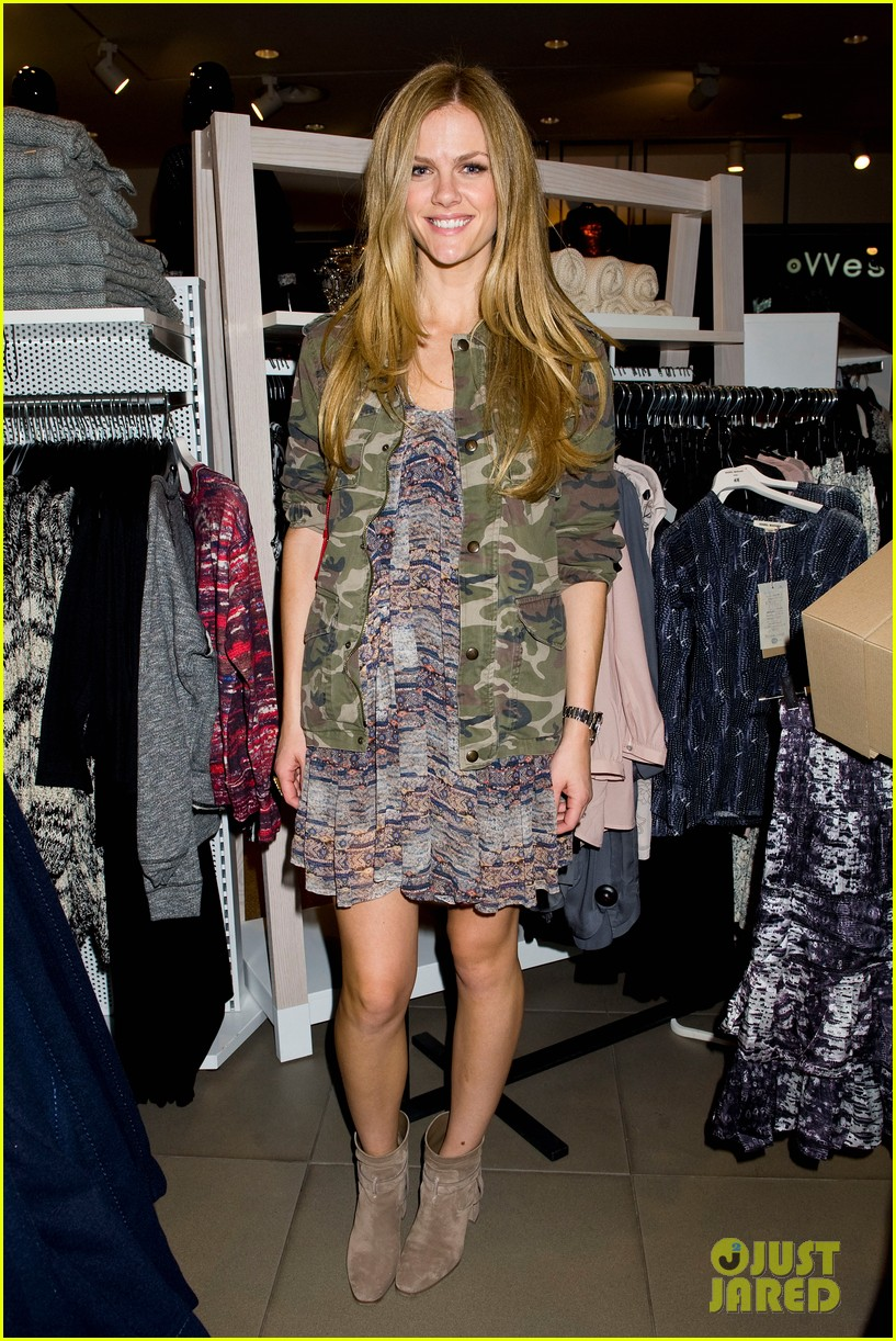 brooklyn decker sienna miller support isabel marant for hm 052991863