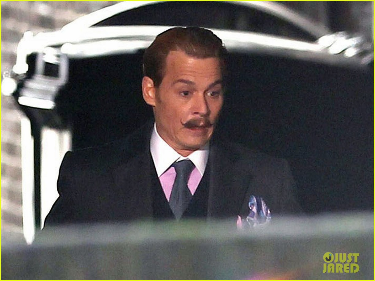 johnny depp mortdecai does great business at afm 10