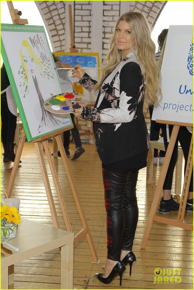 fergie launches global program for universal childrens day 05
