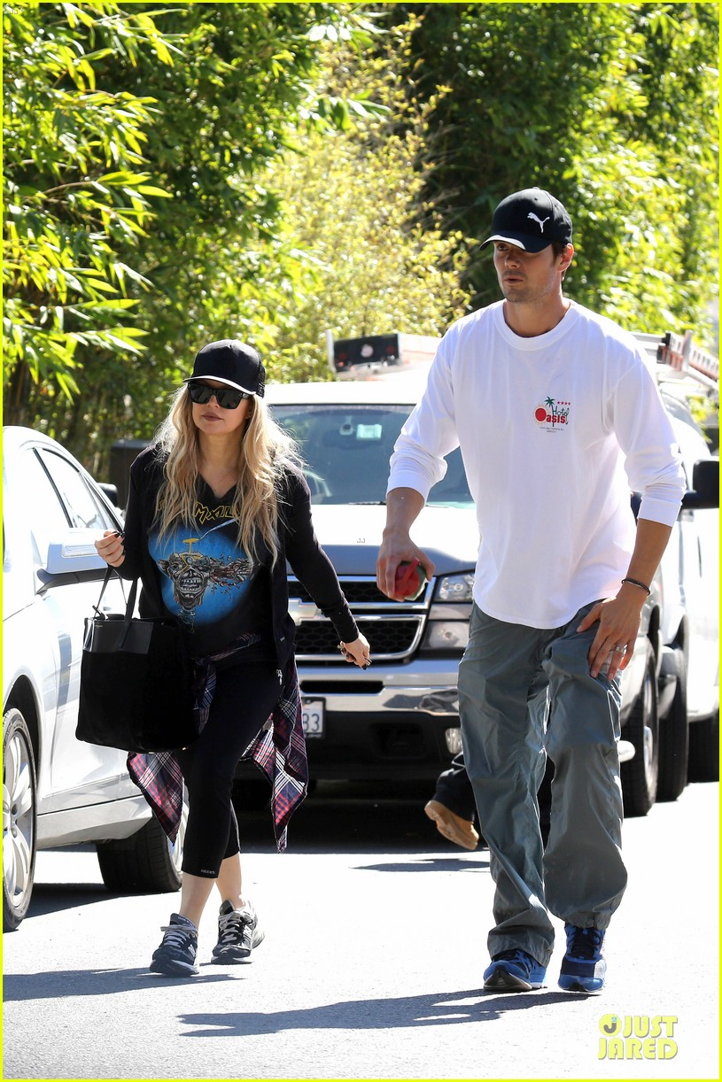 fergie josh duhamel workout pair after halloween 03