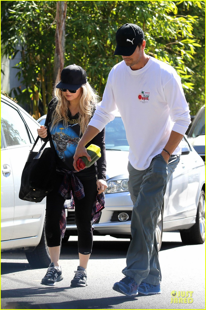 fergie josh duhamel workout pair after halloween 042984696