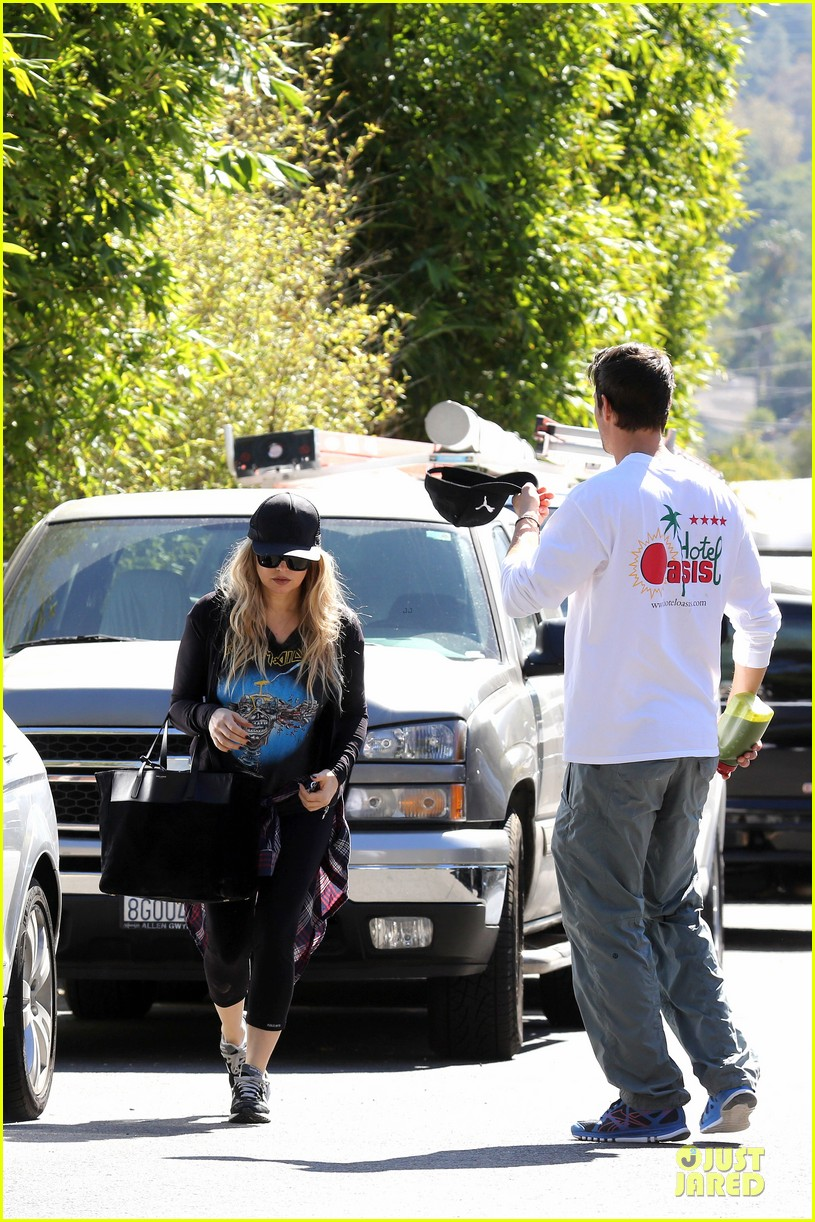 fergie josh duhamel workout pair after halloween 12