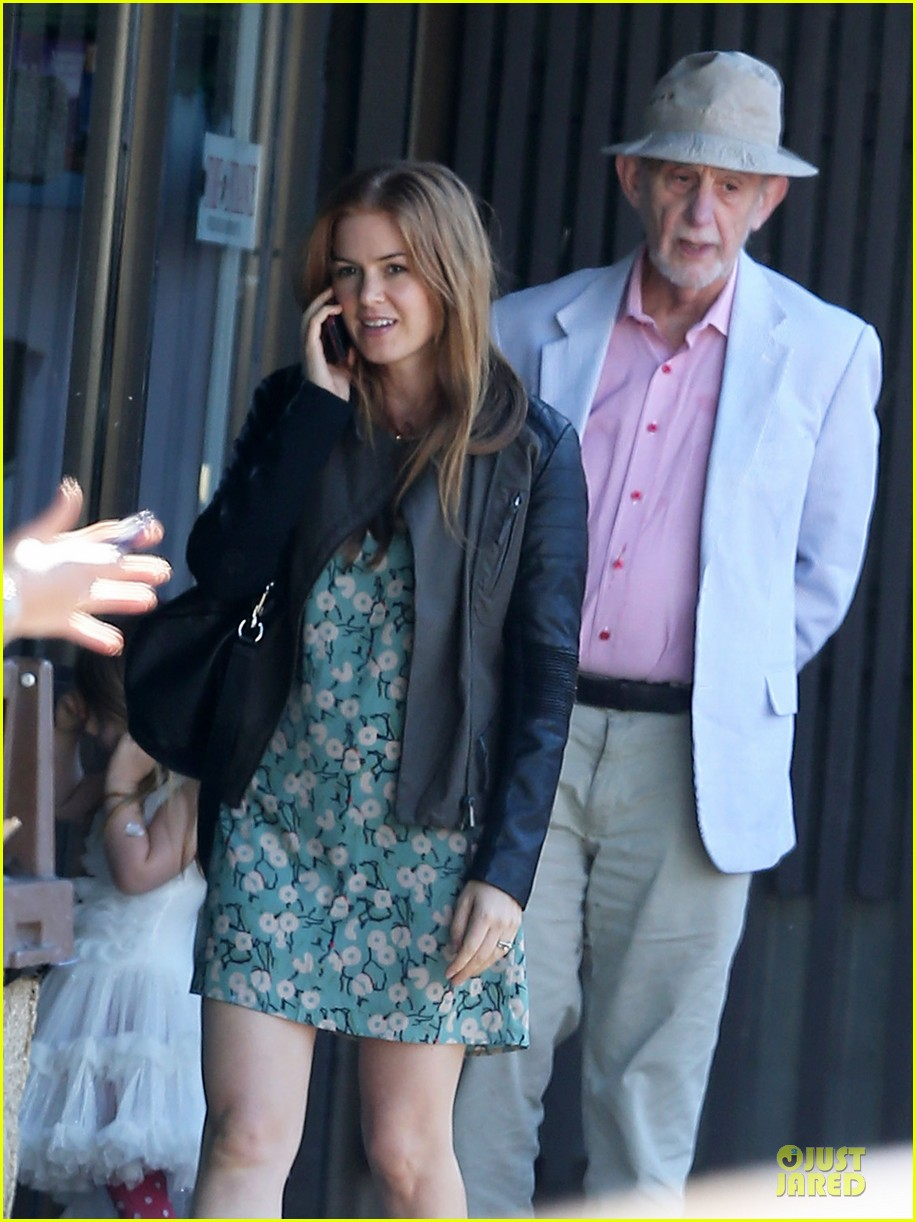 isla fisher sacha baron cohen katsuya lunch with parents 02