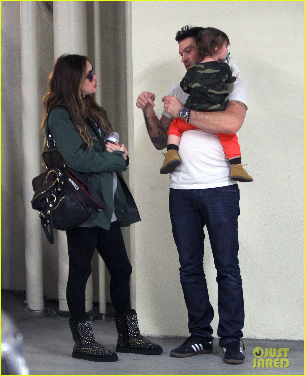 megan fox brian austin green take noah to the doctor 22