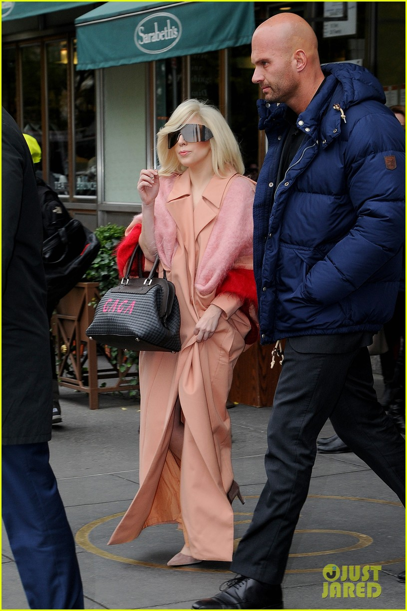 lady gaga greets fans after saturday night live rehearsals 042991376