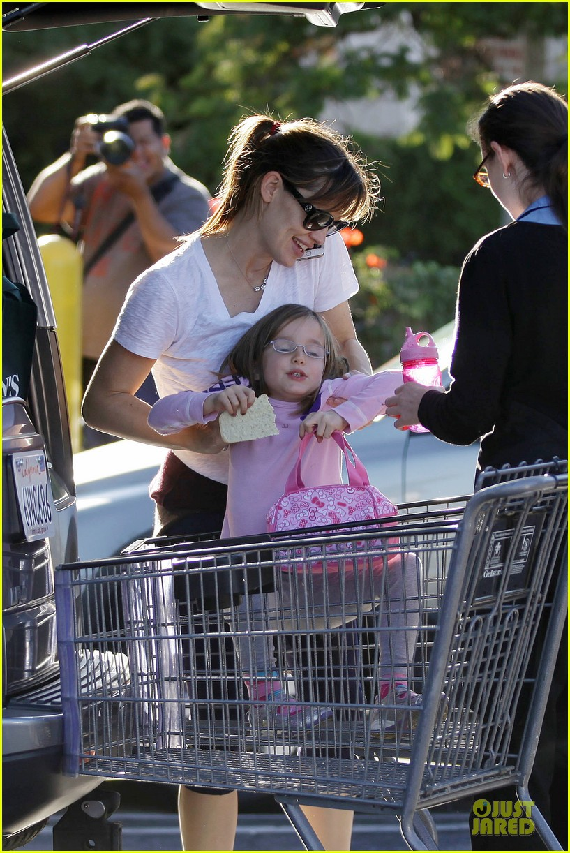 jennifer garner errands with kids after halloween 022984608
