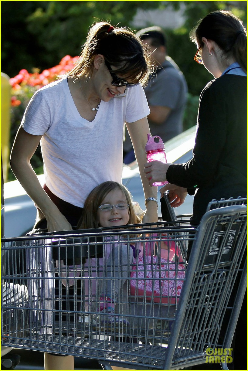 jennifer garner errands with kids after halloween 282984634