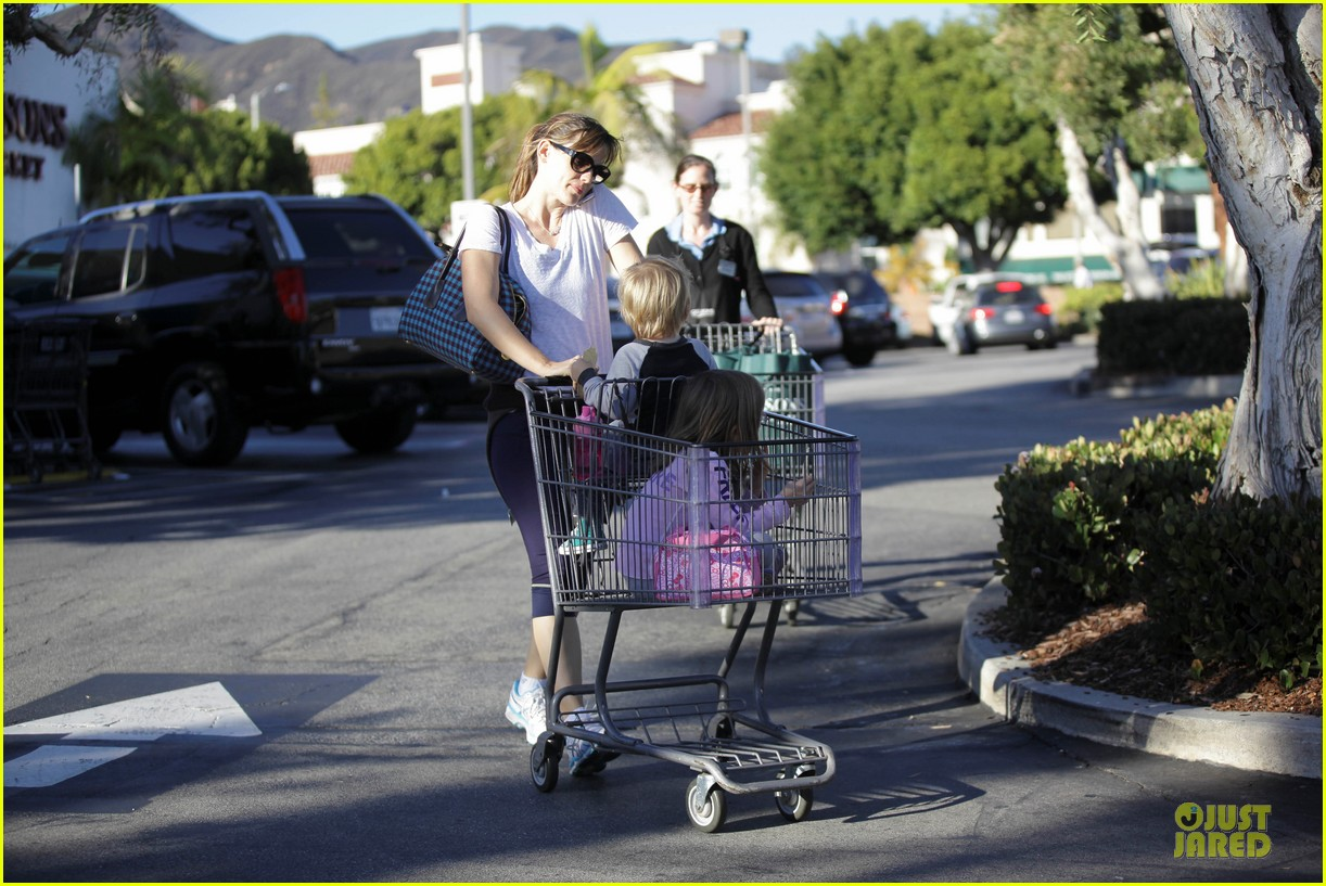 jennifer garner errands with kids after halloween 292984635