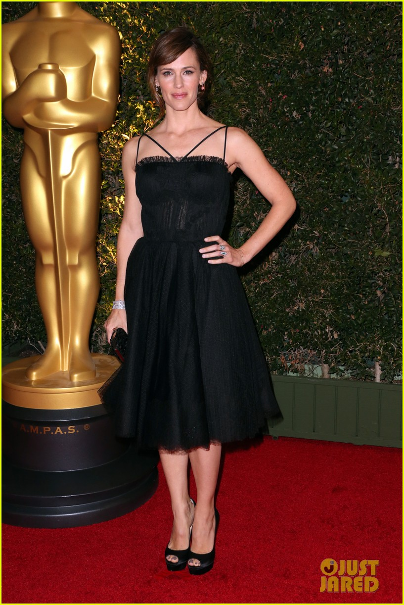 jennifer garner governors awards 2013 red carpet 012994517