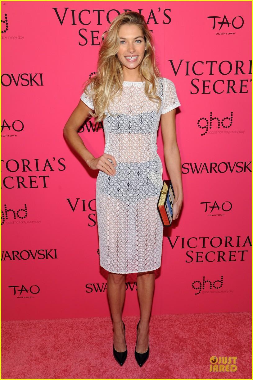 toni garrn karlie kloss victorias secret fashion show after party 2013 07
