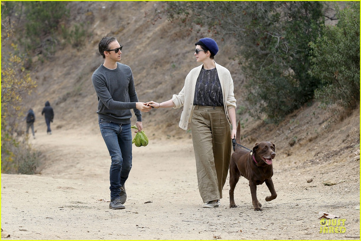 anne hathaway adam shulman hold hands for intimate walk 30
