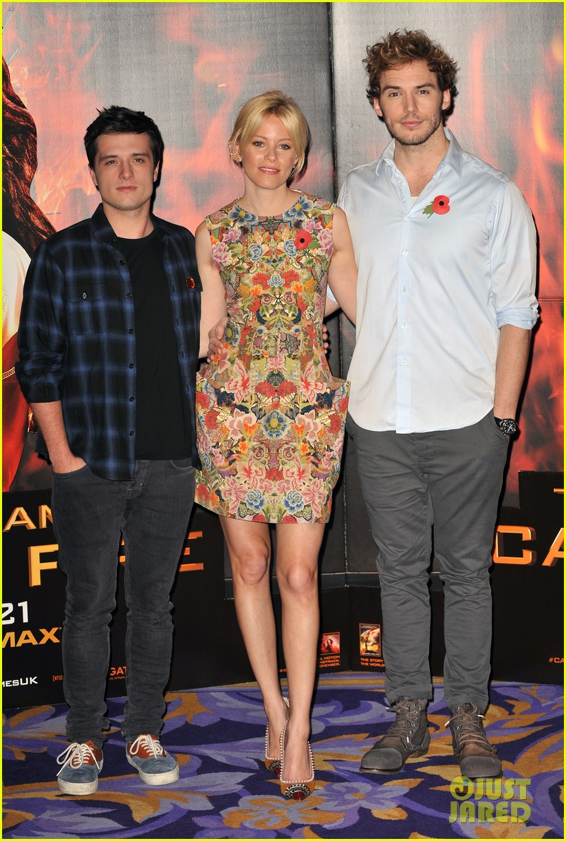 liam hemsworth josh hutcherson catching fire london photo call 012990207