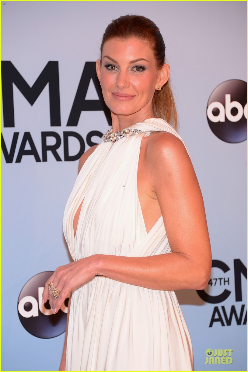 faith hill tim mcgraw cma awards 2013 red carpet 022987214