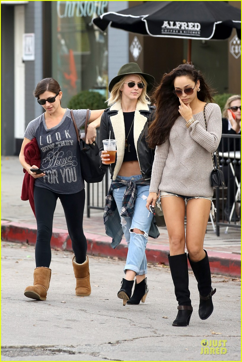 julianne hough flat tummy after cara santana lunch 012994089