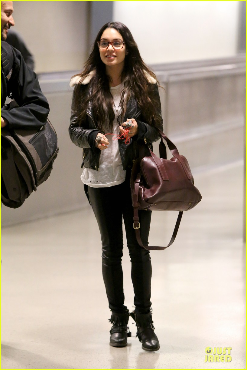 vanessa hudgens sports eyeglasses at lax airport 01