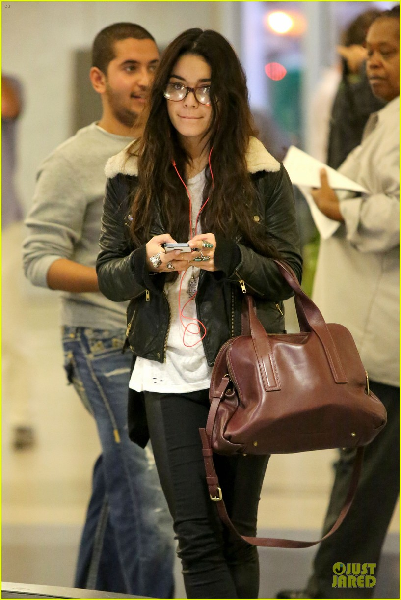 vanessa hudgens sports eyeglasses at lax airport 142993785