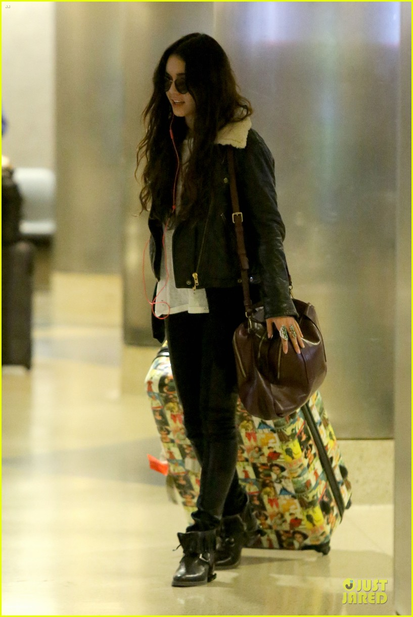 vanessa hudgens sports eyeglasses at lax airport 182993789