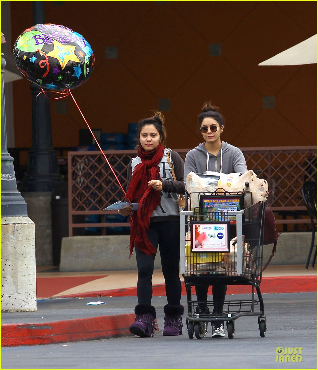 vanessa hudgens ralphs birthday shopping with stella 032994344