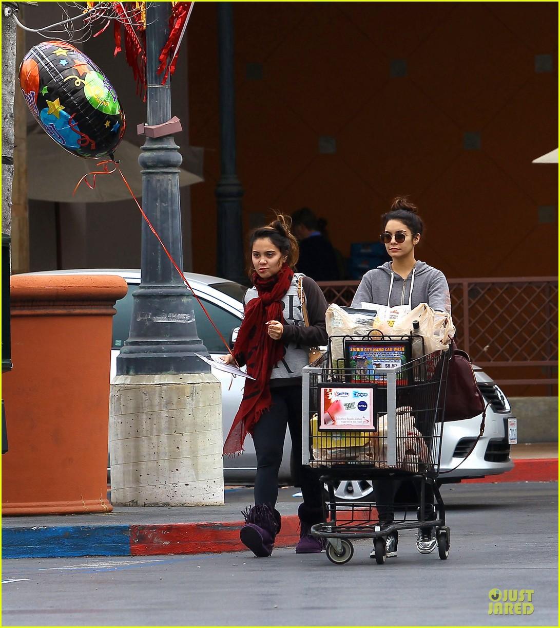 vanessa hudgens ralphs birthday shopping with stella 142994355