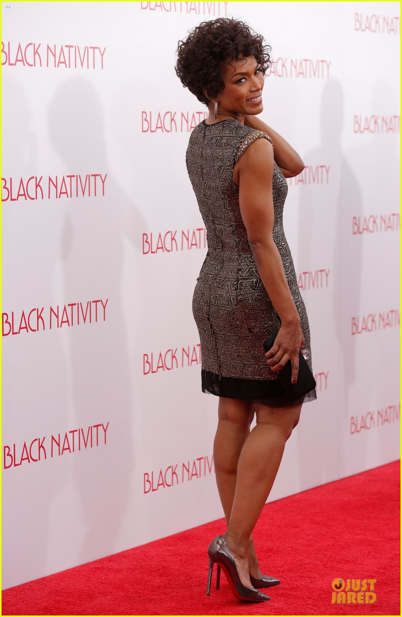 jennifer hudson angela bassett black nativity premiere 052995690