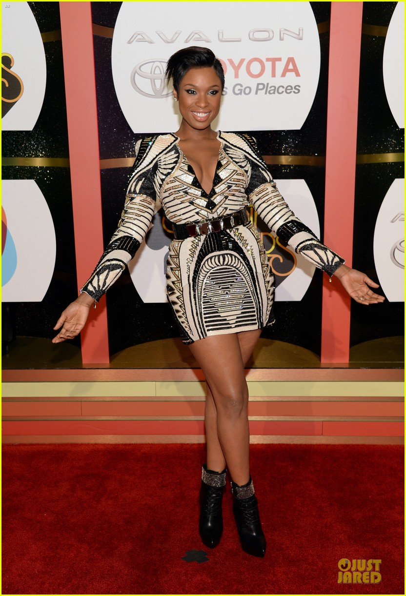 jennifer hudson ashanti soul train awards 2013 red carpet 17
