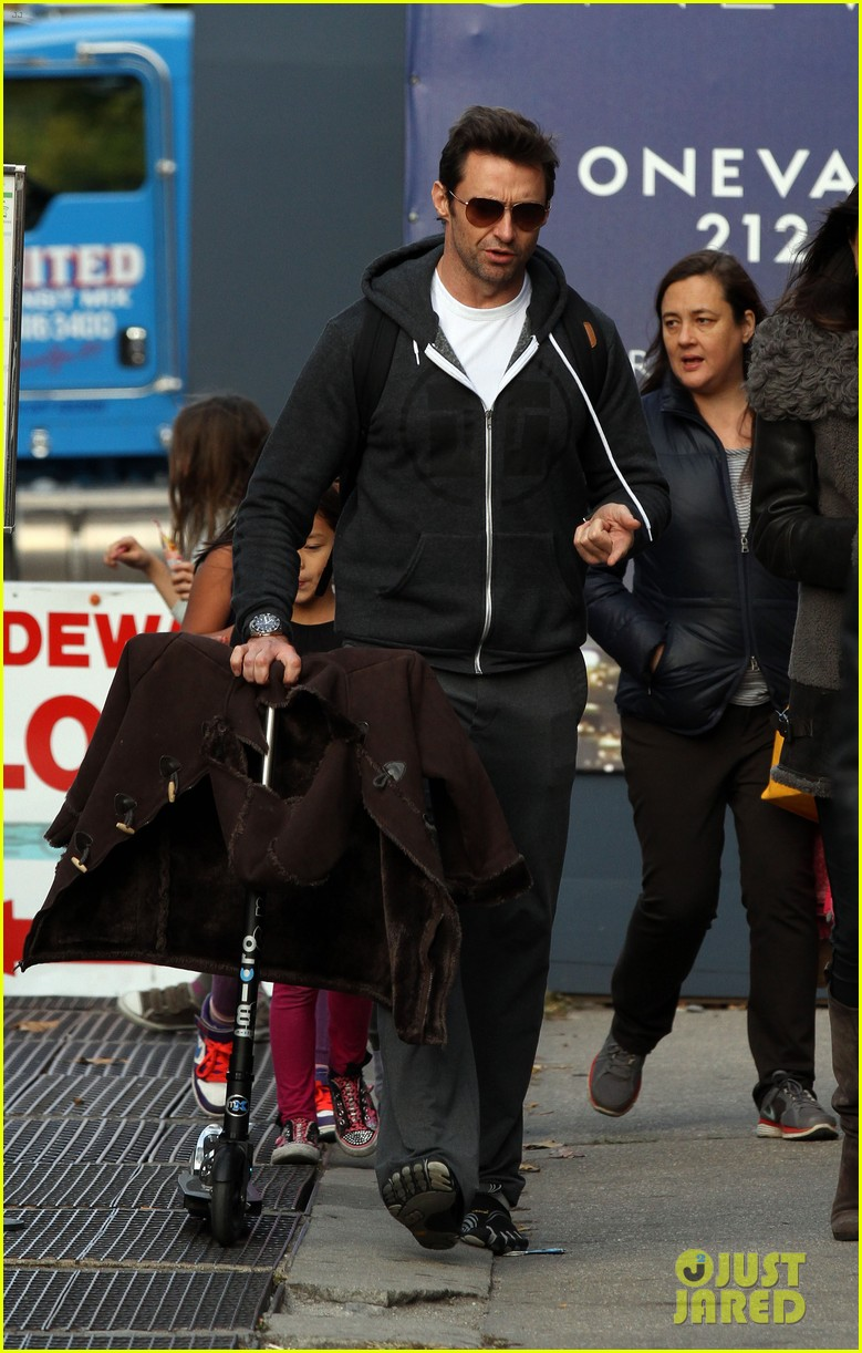 hugh jackman steps out with familly after wolverine news 062988362