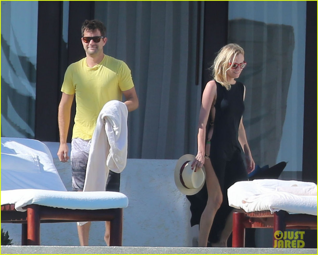 joshua jackson goes shirtless diane kruger wears bikini for cabo getaway 21