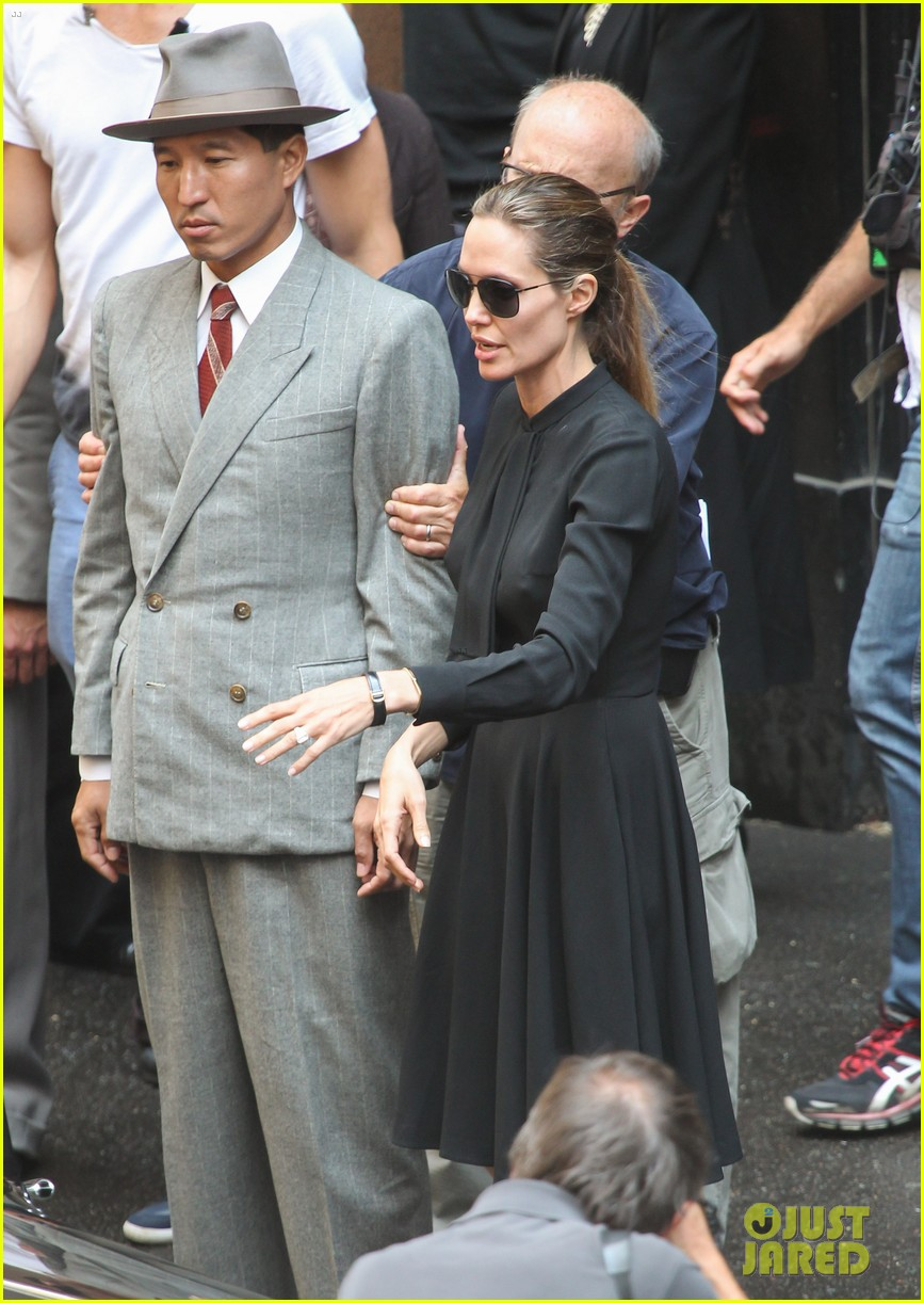 angelina jolie gets back to directing unbroken in australia 152997688