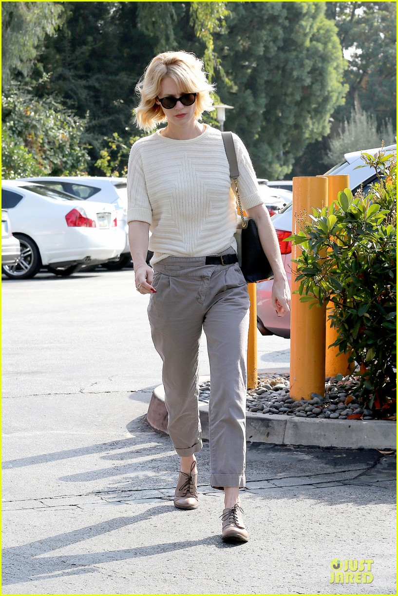 january jones sunglasses sporting pair 14