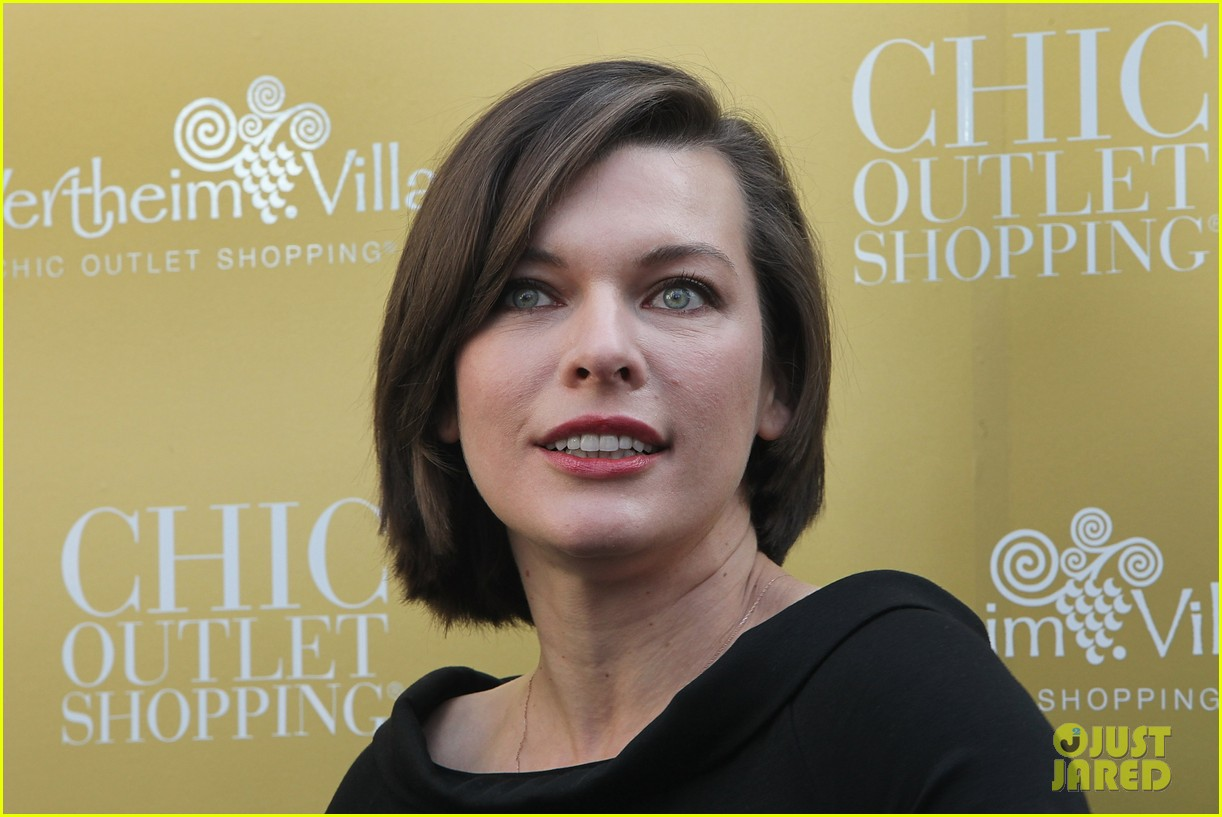 milla jovovich wertheim village 10th anniversary celebration 042990371