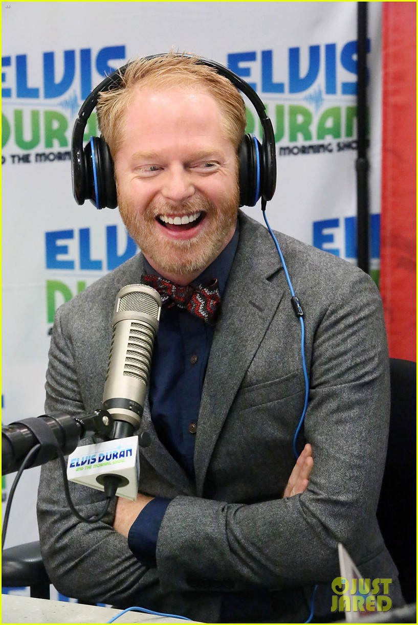 jesse tyler ferguson weighs in on alec baldwin controversy 02