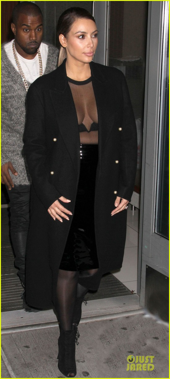 kim kardashian sheer cleavage for kanye west concert 09