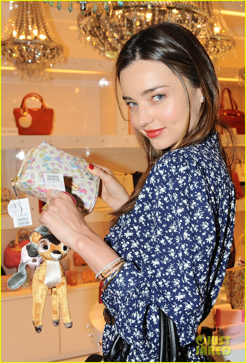 miranda kerr leaves tokyo after elle japan event 022992754