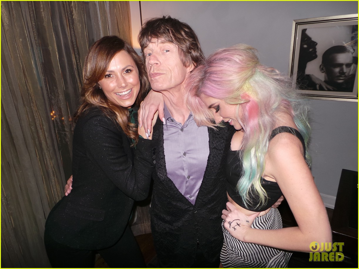 kesha mick jagger rolling through chateau exclusive pics 03