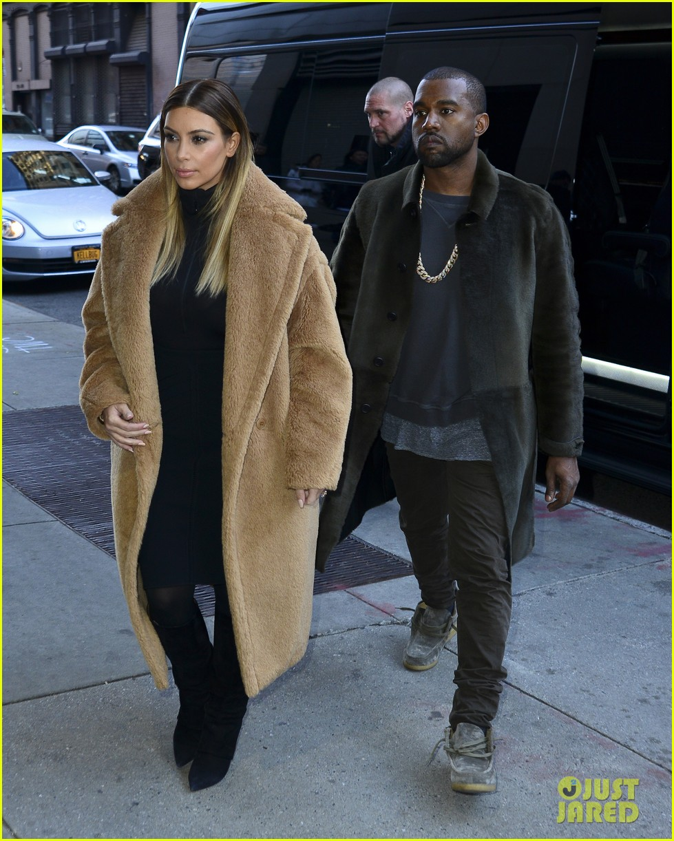 when did kim and kanye west start dating