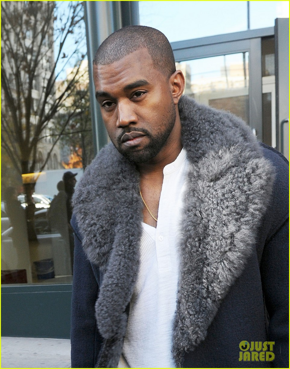 when did kim k and kanye west start dating Find out what did kim kardashian & kanye west name their baby girl the reality star said her name would be 'short, easy to spell, and one syllable'.