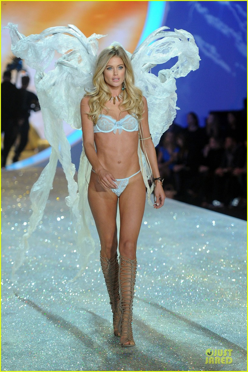 doutzen kroes candice swanepoel victorias secret fashion show 2013 19