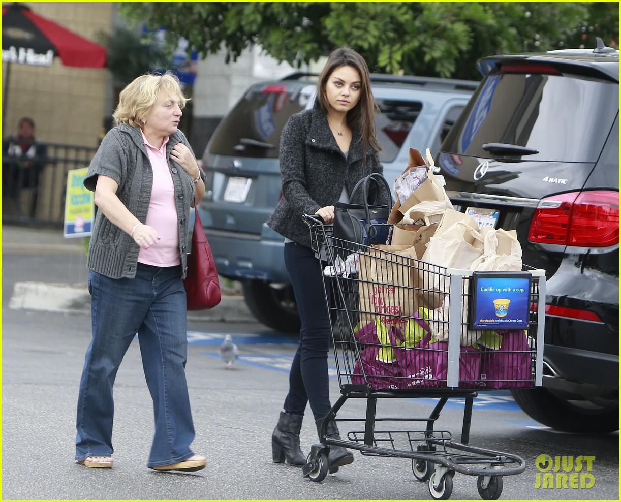 mila kunis shops amidst ashton kutchers walmart feud 162997301