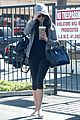 ashton kutcher mila kunis animal hospital with pet pooch 07