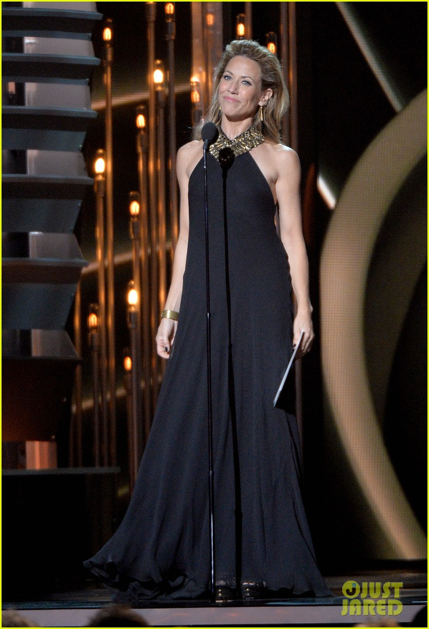 miranda lambert blake shelton cma awards 2013 red carpet 24