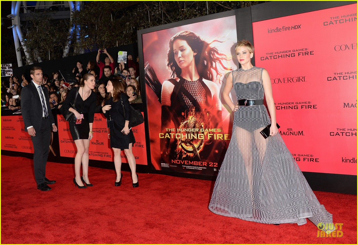 jennifer lawrence catching fire la premiere 102995707