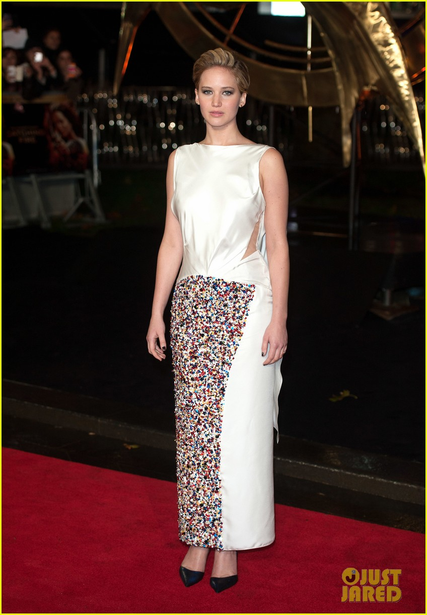 jennifer larence catching fire london premiere red carpet 13