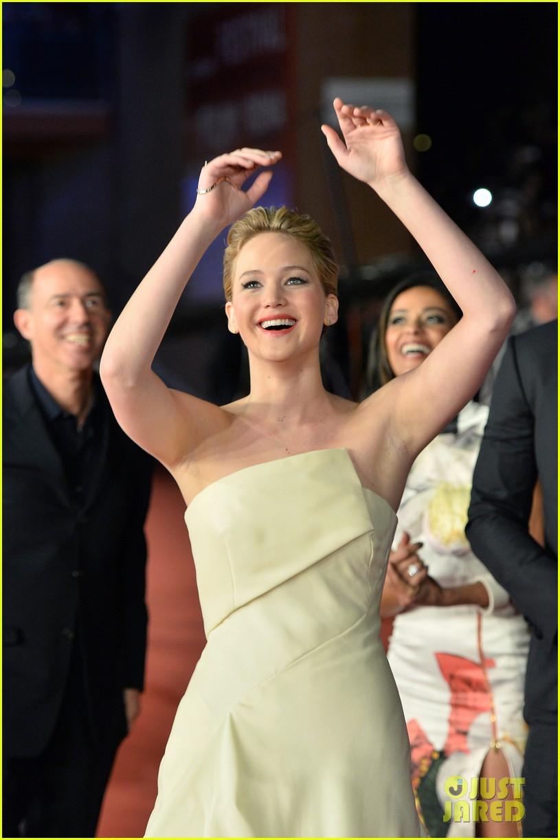 jennifer lawrence josh hutcherson catching fire rome premiere 132992730